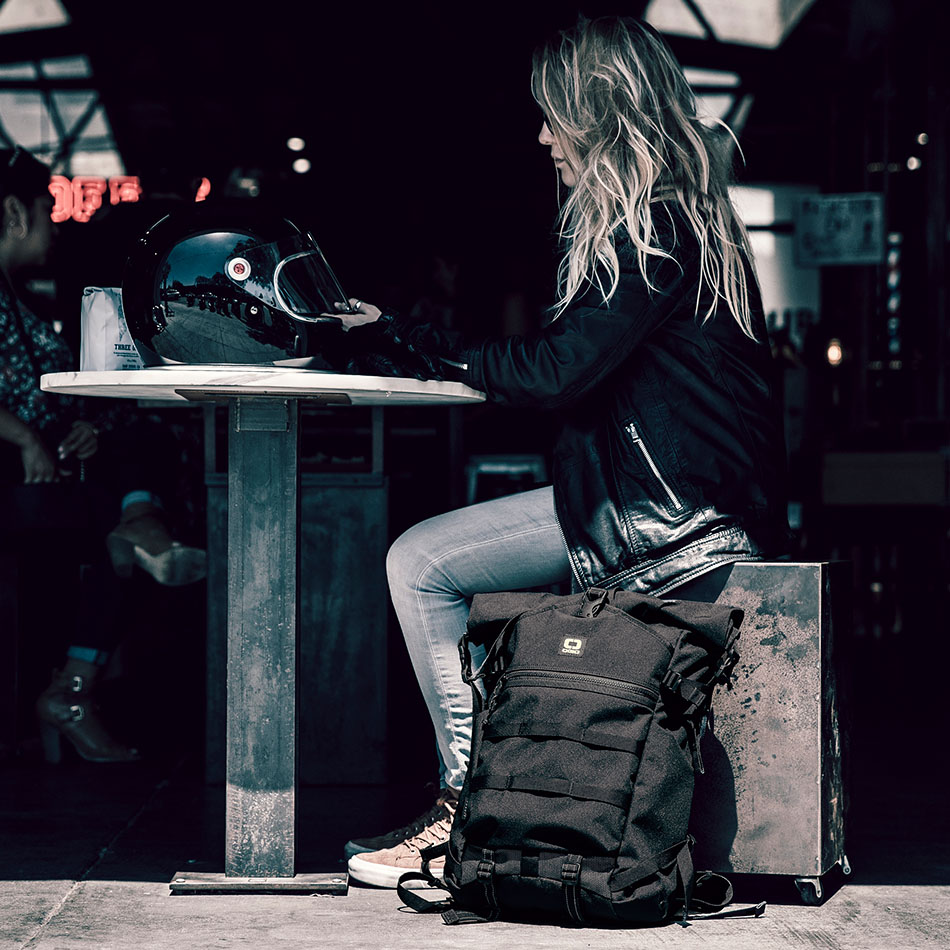 ogio-backpack2019-alpha-core-convoy-525r-lifestyle-3