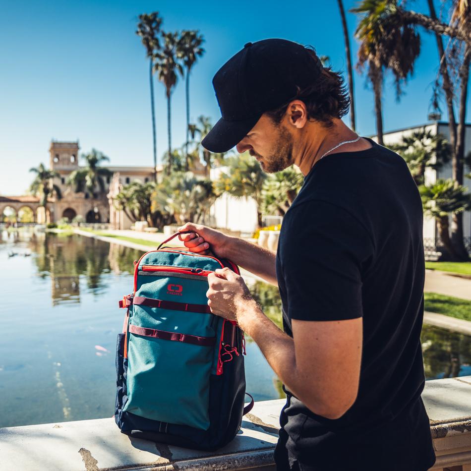 alpha-25-backpack-lifestyle-4