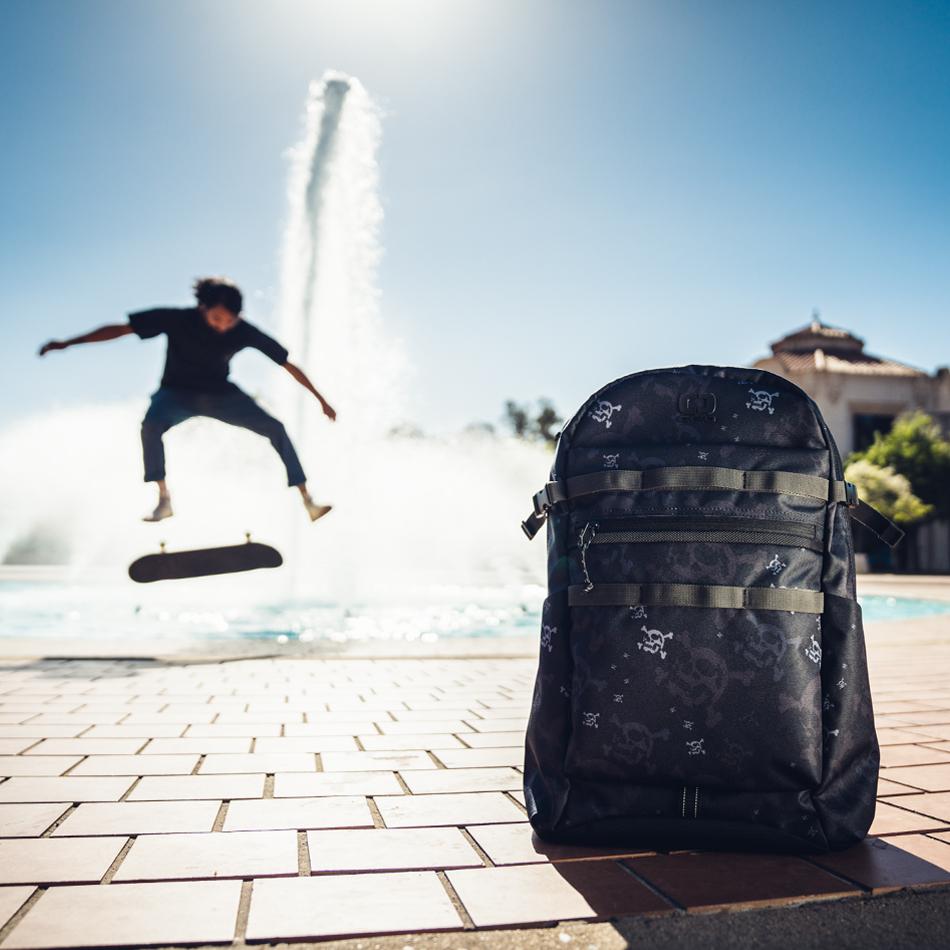 alpha-20-backpack-lifestyle-6