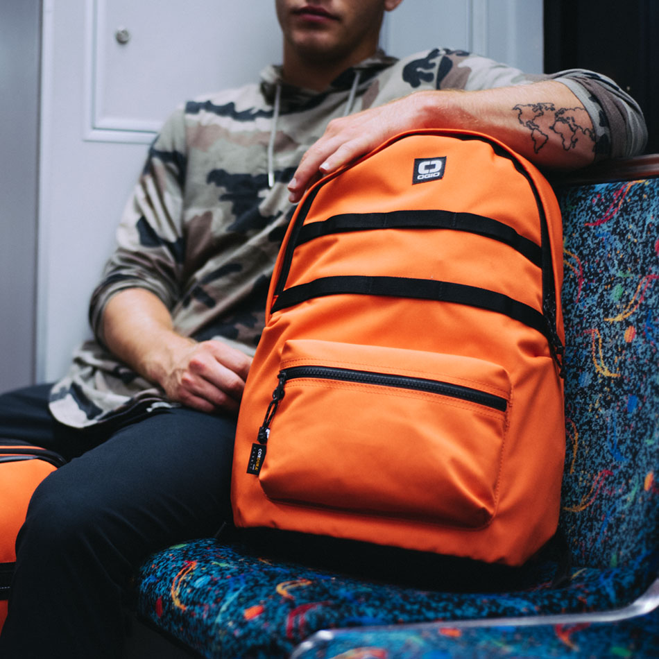 ogio-backpack2019-alpha-core-convoy-120-lifestyle-2