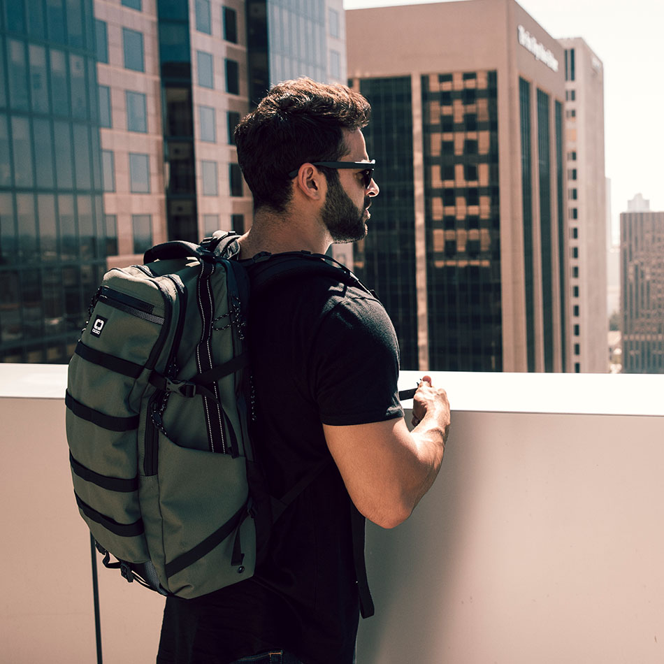 ogio-backpack2019-alpha-core-convoy-525-lifestyle-2