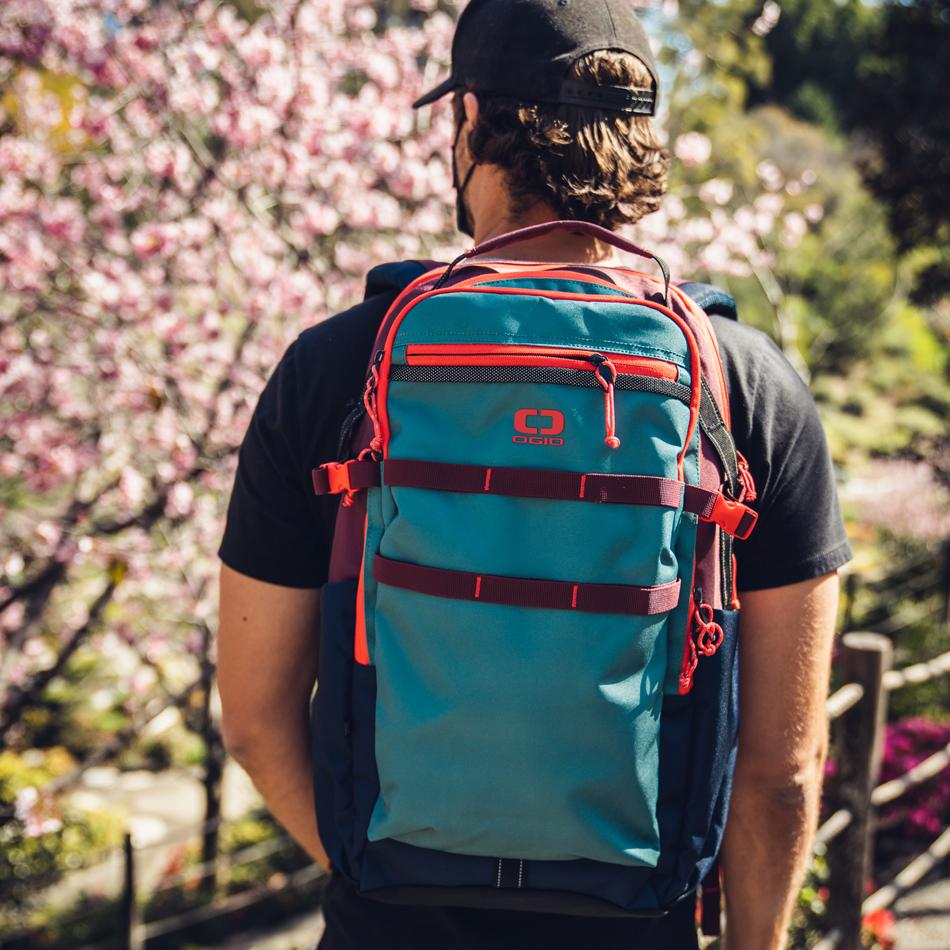 alpha-25-backpack-lifestyle-1